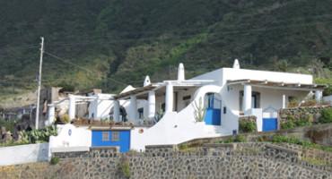 archittettura-tipica-isole-eolie-salina